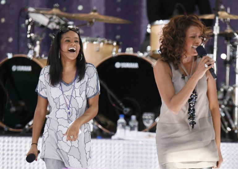Bobbi-Kristina-Brown-e-Whitney-Houston-Foto-da-video-6