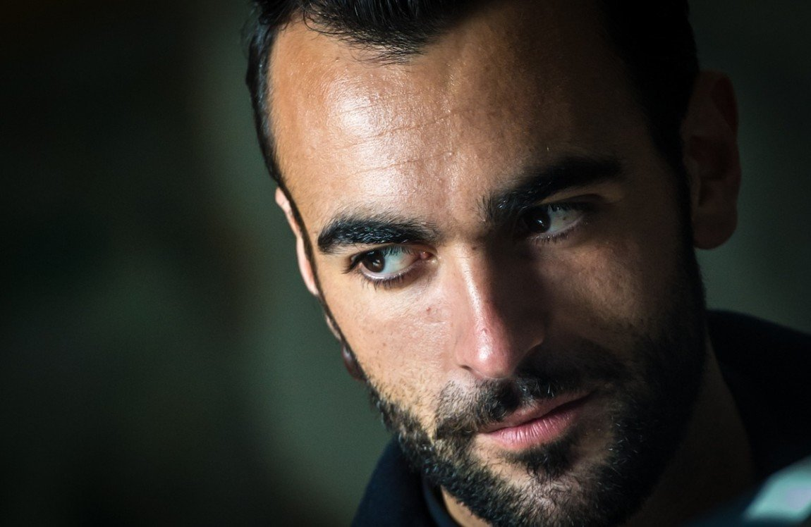 backstage-video-marco-mengoni-esseri-umani-teatro-parenti-2015-1378-1150x748