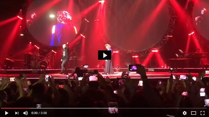 PER VEDERE IL VIDEO CLICCARE SULL'IMMAGINE. Sorrido già - Elisa feat Emma and Giuliano Sangiorgi Live 2016