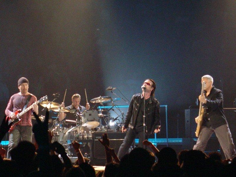 U2 live Wikimedia Commons