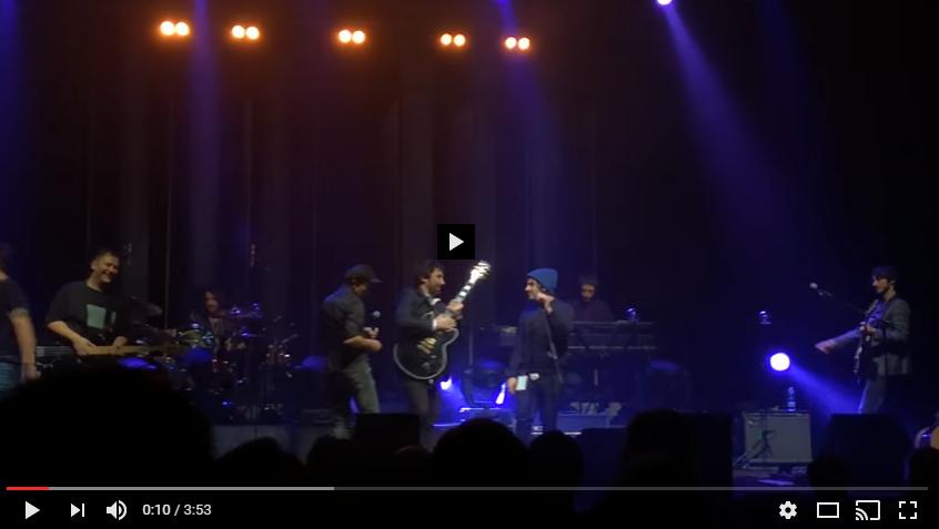 """PER VISUALIZZARE IL VIDEO CLICCARE SULL'IMMAGINE Calcutta feat. Tiromancino - """"Oroscopo"""" Live Teatro Nazionale, Milano"""