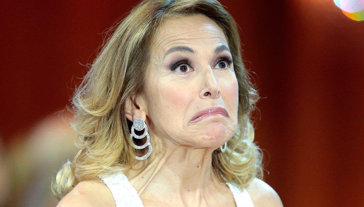 Barbara D'Urso: la maschera del dolore nei suoi Pomeriggi ...